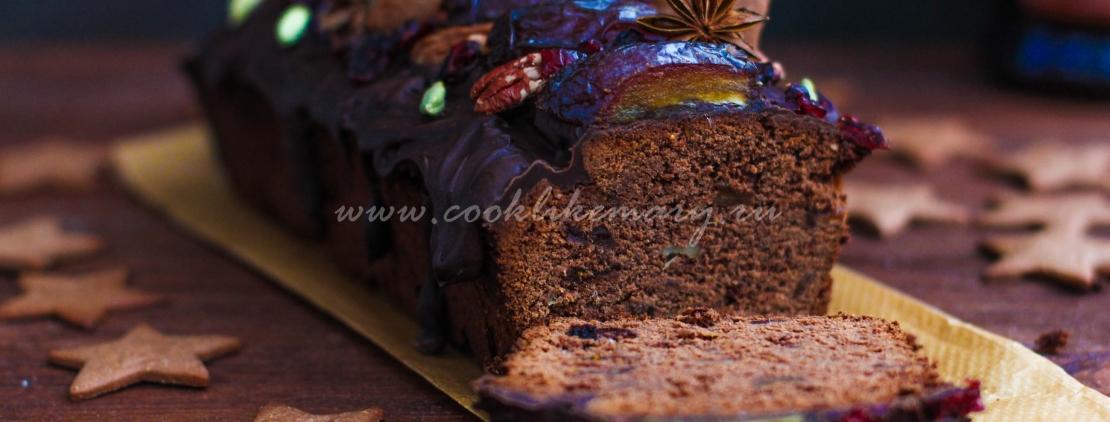 Шоколадный рождественский кекс с инжиром и финиками