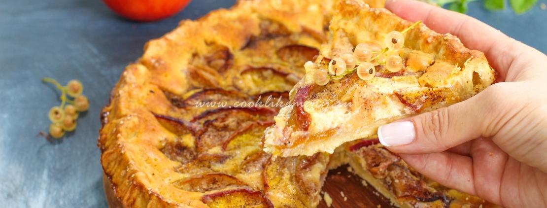 Простой пирог с сезонными фруктами