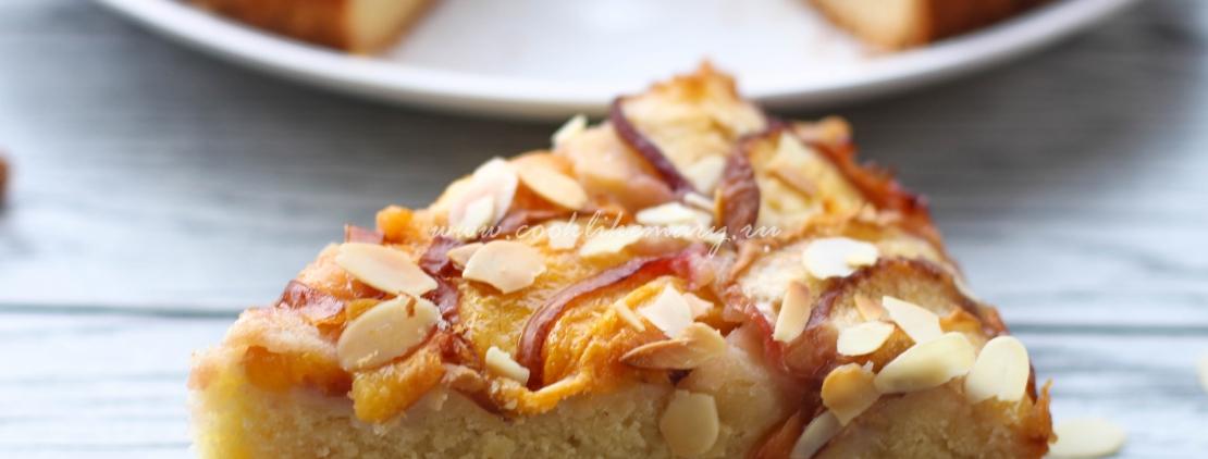 Пирог с персиками разрез