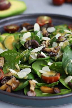 Рецепт салата с жареными вёшенками