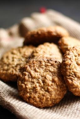 Овсяное печенье с семечками и орехами