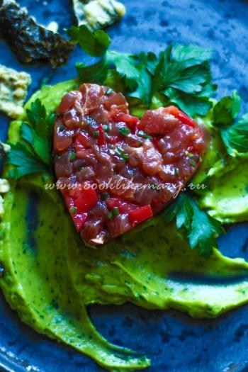 Тартар из тунца с гуакамоле