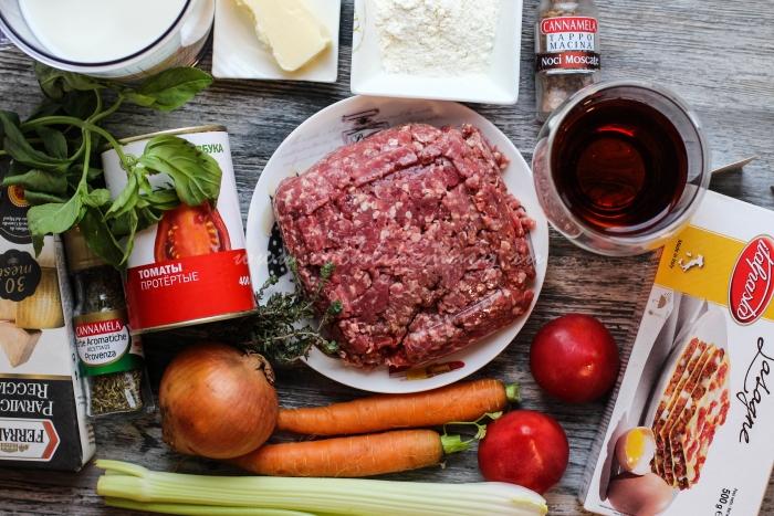Ингредиенты по рецепту лазаньи Болоньезе в домашних условиях