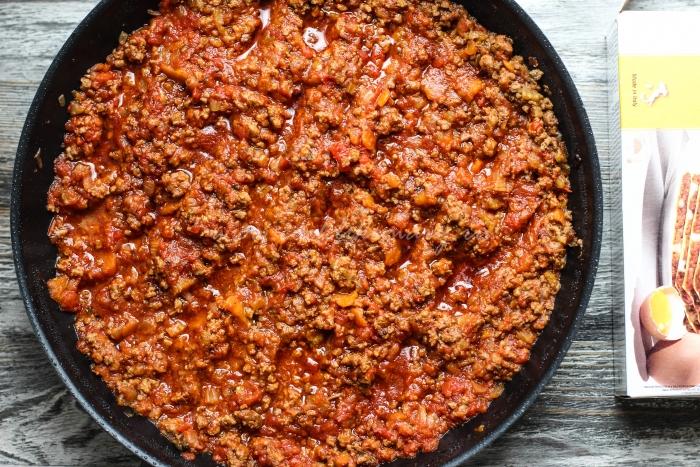 Мясо с овощами для лазаньи