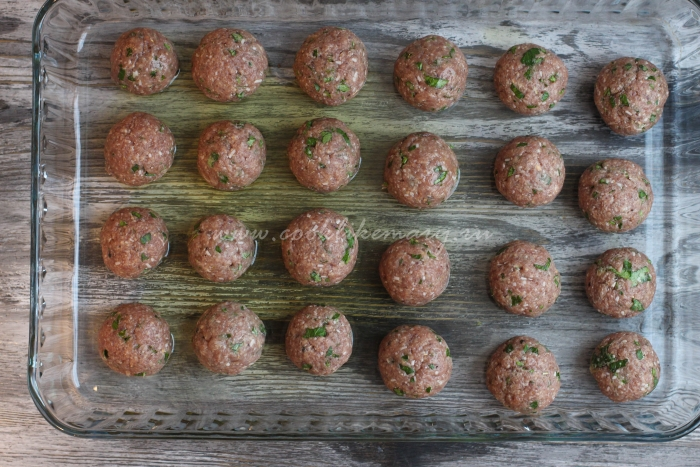 Мясные шарики из фарша в духовке