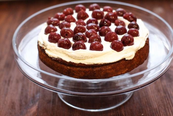 Бисквитный торт с нежным кремом
