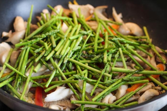 Приготовление овощей по рецепту лапши по-азиатски