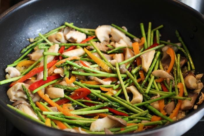 Овощи к лапше по-азиатски
