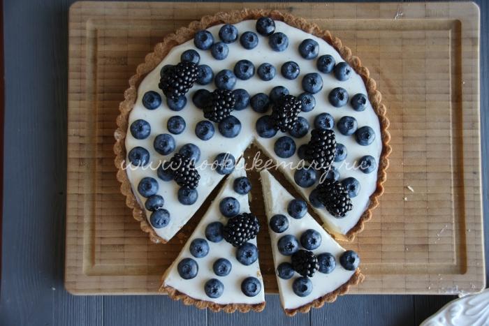 Пирог с голубикой и ежевикой