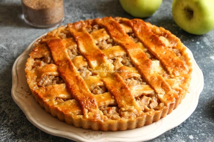 Карамельный пирог с яблоками