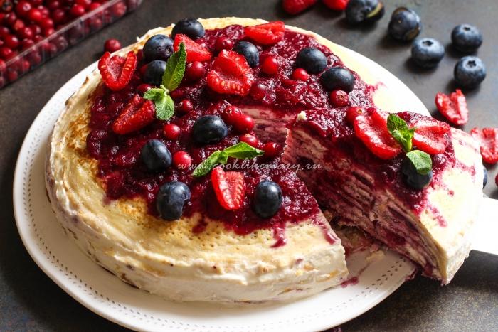 Блинный торт с кисло-сладкой начинкой