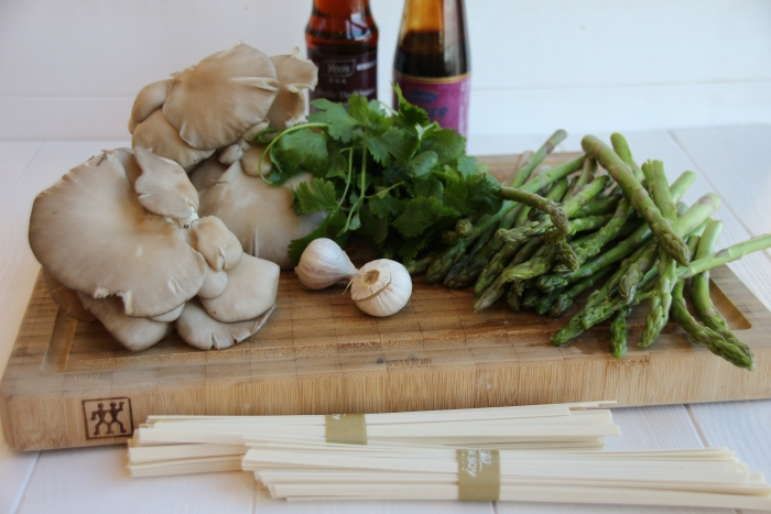 ингредиенты для гречневая лапша с вешенками