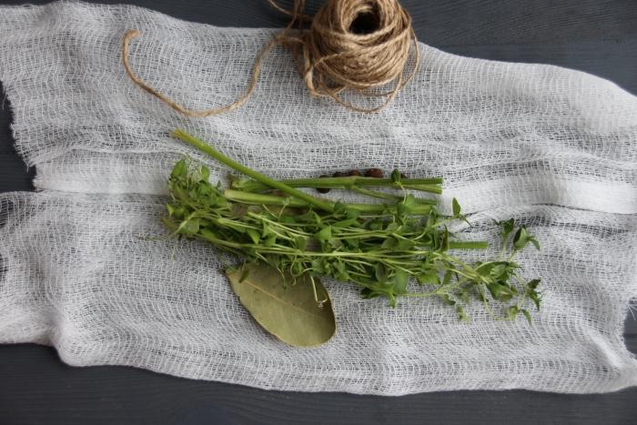 букет трав в марле