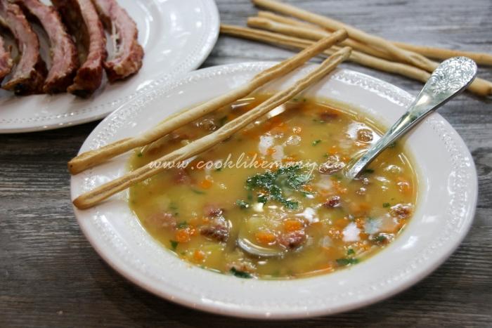 Гороховый суп с копчеными свиными ребрами